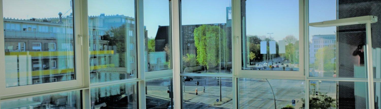 Blick aus Behandlungsraum auf Wandsbeker Chaussee, Hamburg Wandsbek